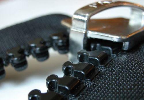 No 15 PREMIUM Moulded Zip