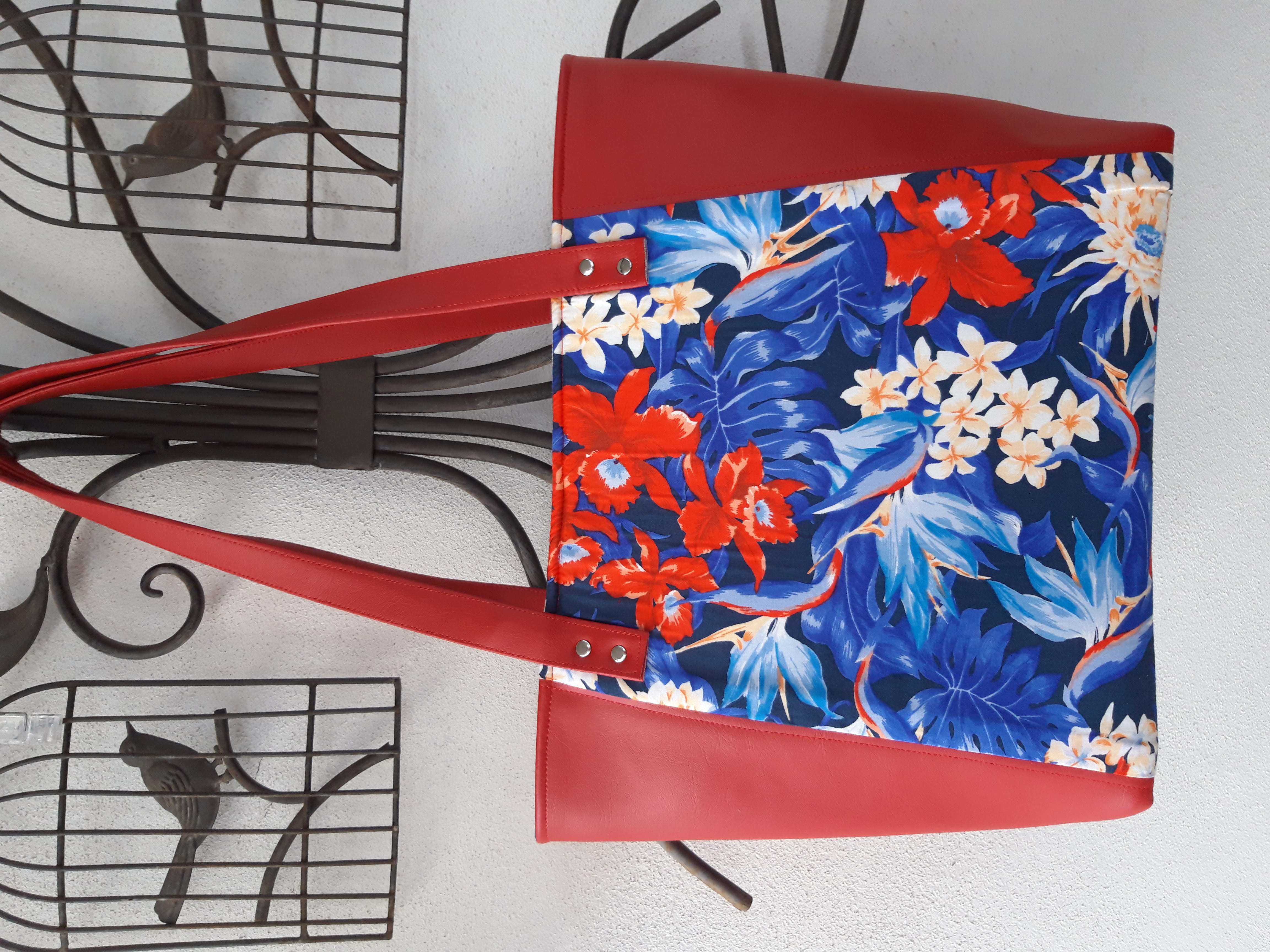 Daisy Bella Bags in Queensland showing off the vibrant colour of Pacifica Volcano